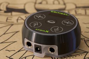Atom X by Critical - Svart